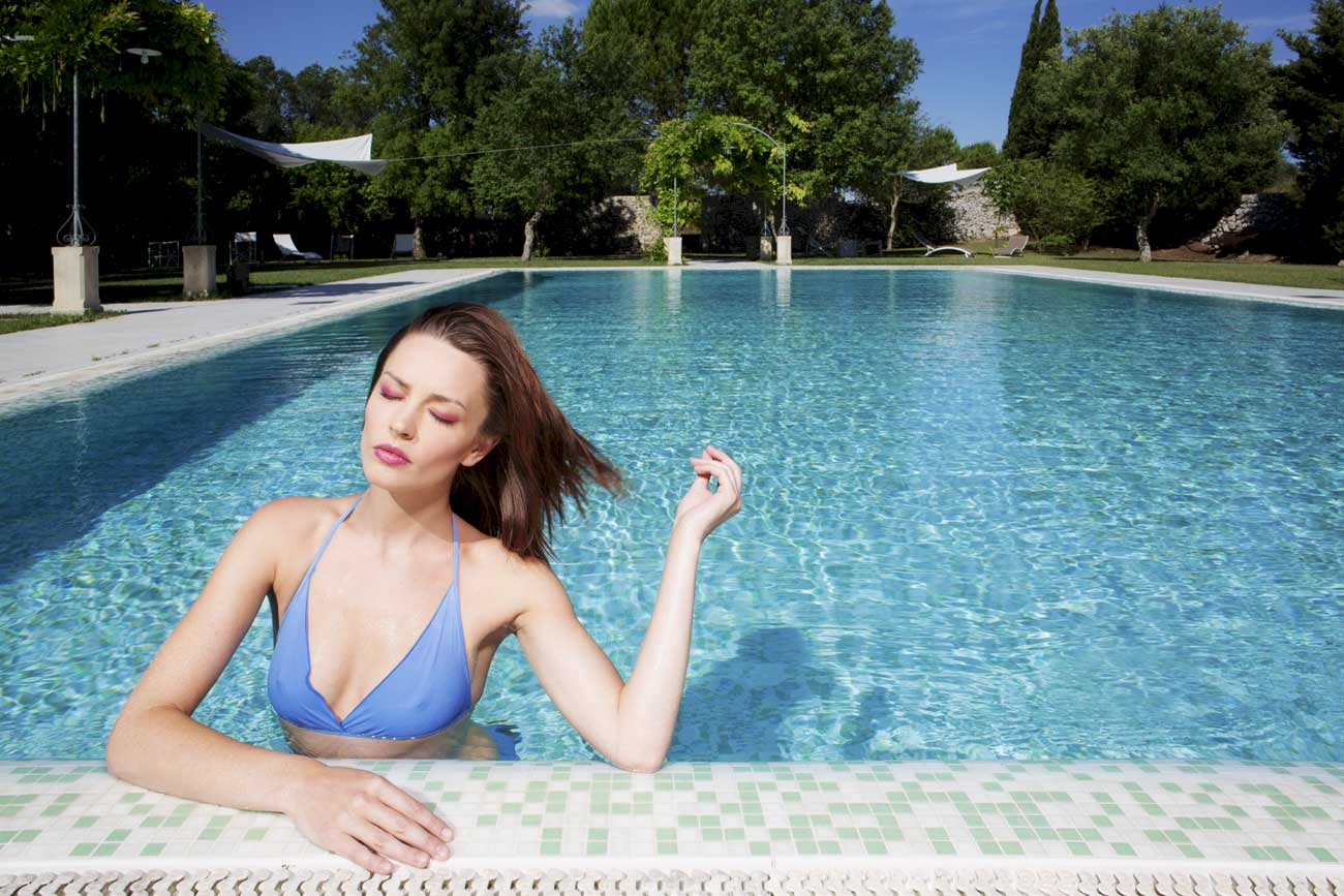 girl-pool-10-1300